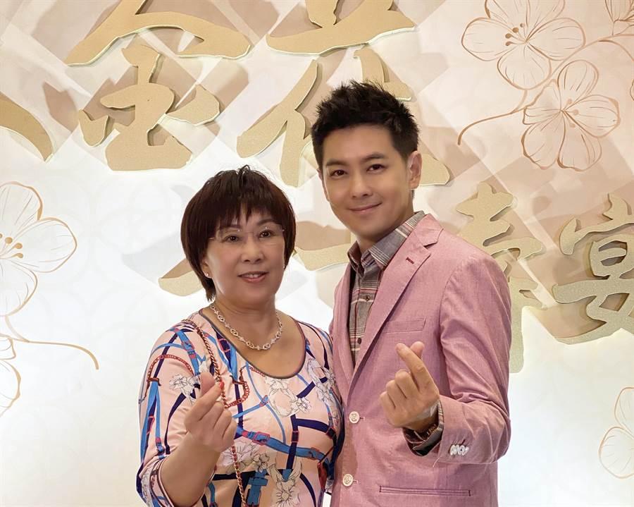 林志穎為媽媽林金花辦壽宴。(領速企業提供)