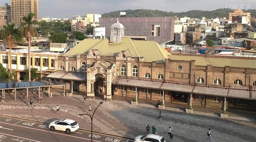 新竹火車站是台灣歷史最久、仍在營運的百年車站。(圖/行遍天下提供)