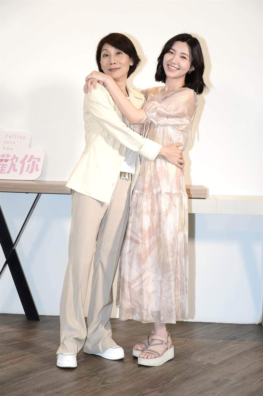 郎祖筠、郭雪芙母女档现身宣传《因为我喜欢你》。(八大提供)