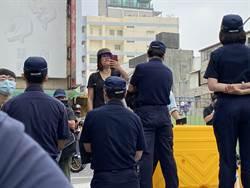 拆南鐵東區陳家 聲援者轉移陣地怒喊:掠奪人民土地