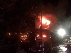 神明廳電線走火 宮廟深夜燒起來