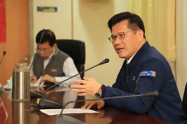 交通疏運下場硬仗是阿妹跨年,交通部長林佳龍指示要提早準備與宣佈。(交通部提供)