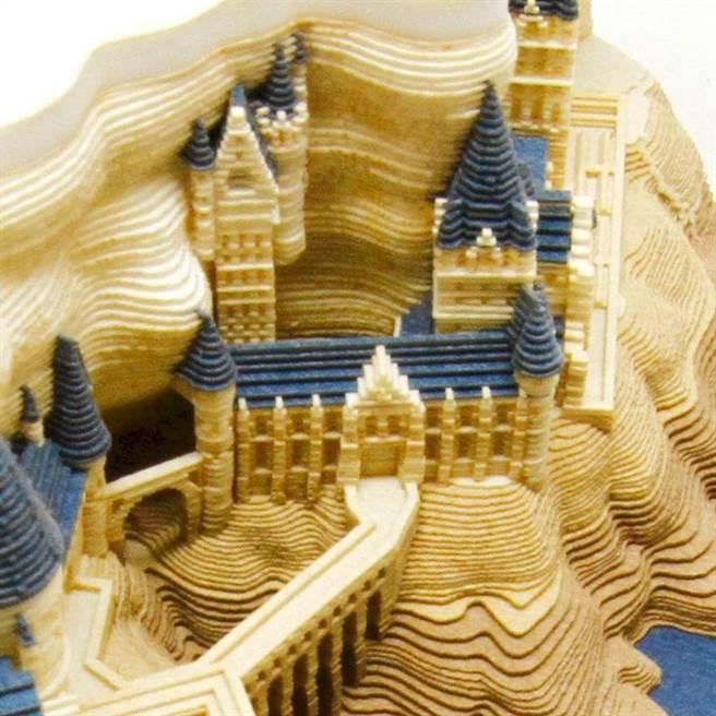 紙雕非常精緻。(圖片來源:caseplay.jp)