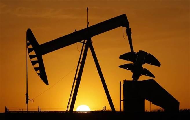 高盛 (Goldman Sachs)表示,美國總統大選的結果,並不會影響該行對石油和天然氣看好的前景,而且如果是拜登勝選的話,很可能會成為上漲的催化劑。(美聯社資料照)