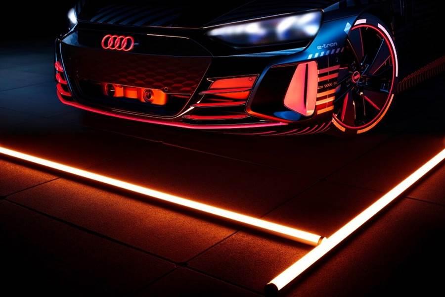 Audi預告首款純電動力跑車e-tron GT將於年底亮相