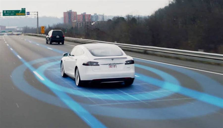 特斯拉新專利「提早預測潛在故障」,進一步強化自動輔助駕駛安全性