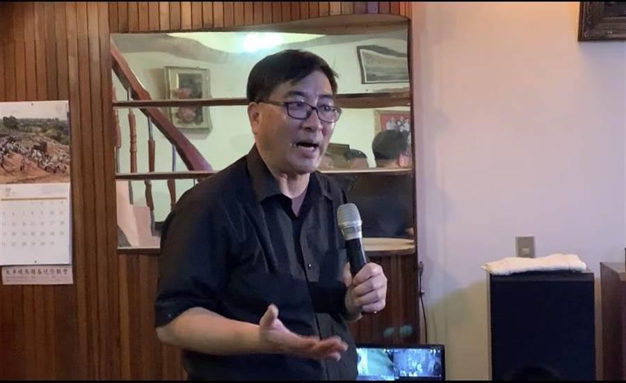 反南鐵東移全線自救會長陳致曉。(李宜杰攝)