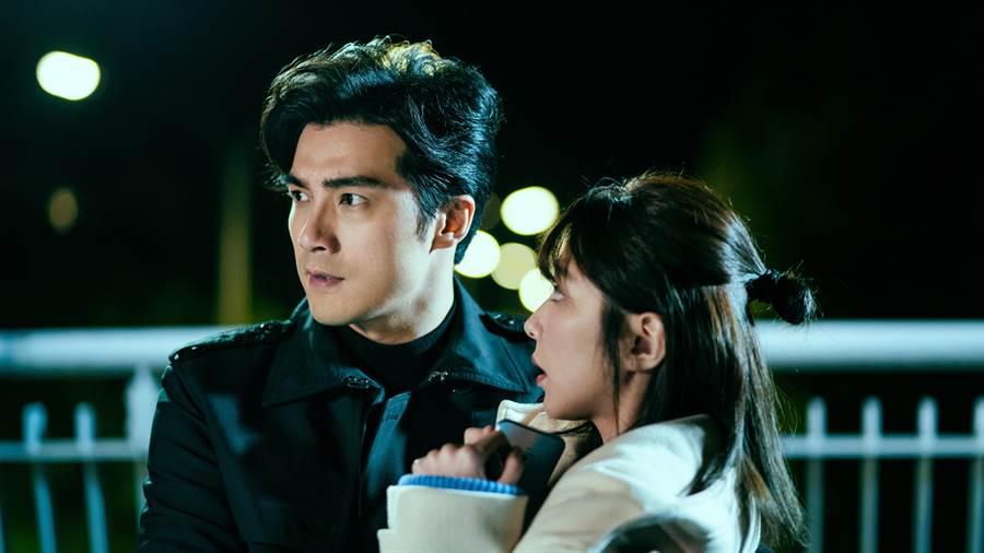 贺军翔在《天巡者》从一而终深爱邵雨薇饰演的孟婆。(三立提供)
