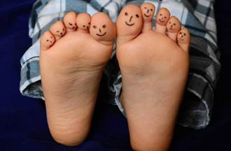 醫曝:身體問題根源 幾乎都在腳趾頭 5分鐘靈活操學起來