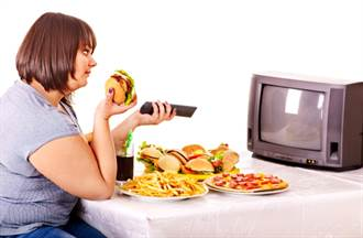 吃下去的不只是熱量而已 還有那些無以名狀的空虛害你胖