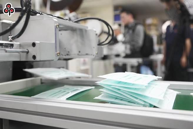 圖為口罩工廠一景。圖/本報系資料照