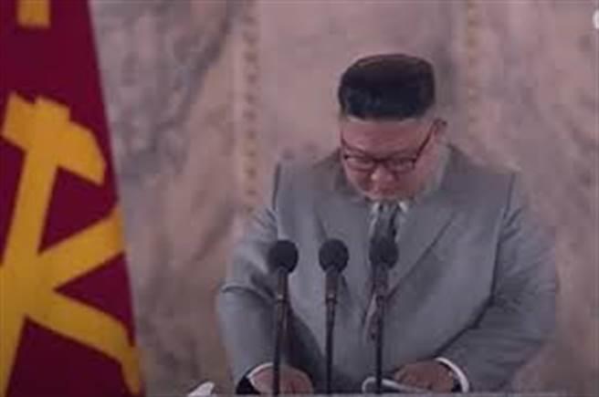 金正恩在10月10日閱兵儀式上致詞(路透)