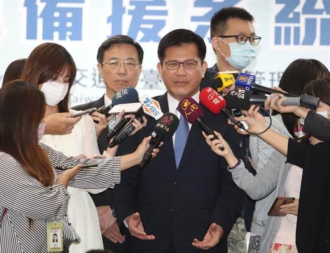 交通部長林佳龍。(潘千詩翻攝)