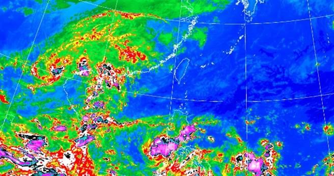 周三、周四(14、15)水氣趨緩,整體雨勢也減少,主要受東北風影響,迎風面偶有短暫陣雨。(氣象局提供)