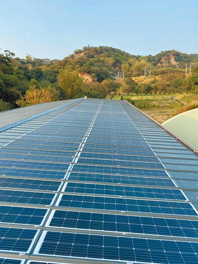 愛能公司創新建築一體整合型太陽能板BIPV,在國內外市場漸受青睞。圖/業者提供