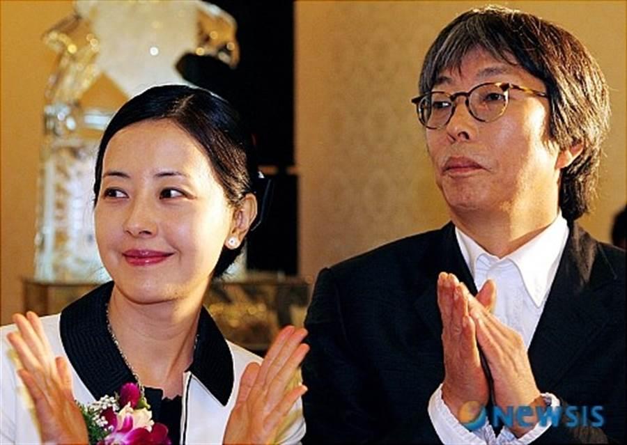 徐贞姬19岁第一次见徐世源就遭到性侵,32年里忍受前夫家暴出轨。(图/翻摄自韩网)