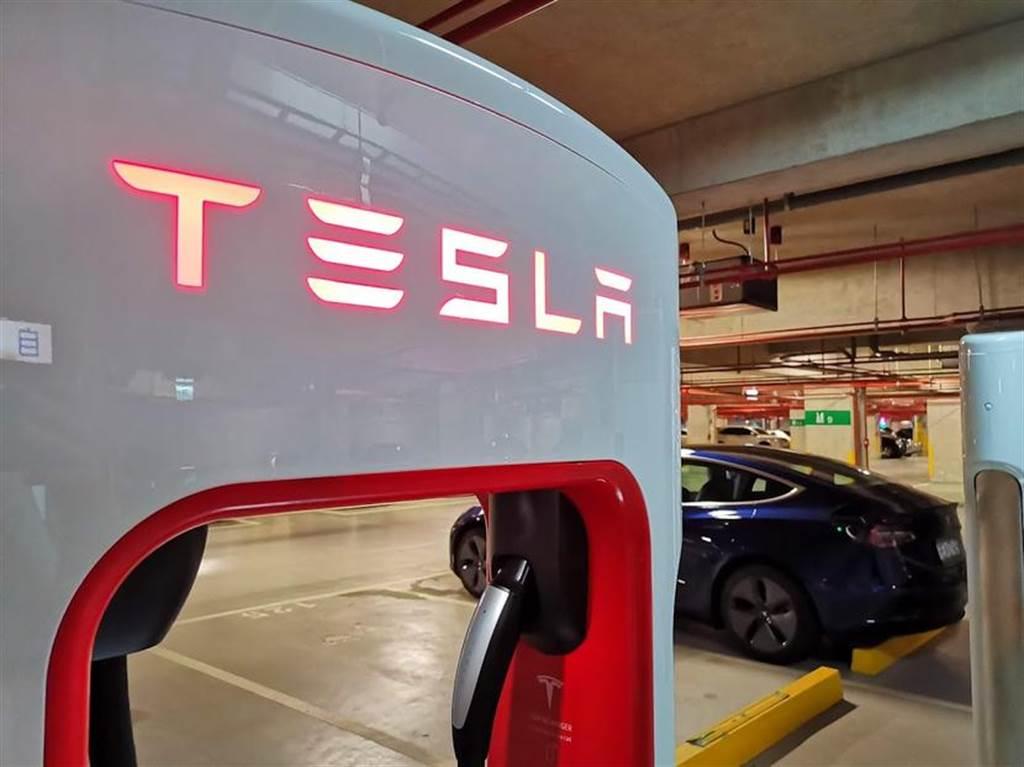 比你想的便宜!特斯拉 22 座超充收費價格表公布,平均每度僅 8.2 元!