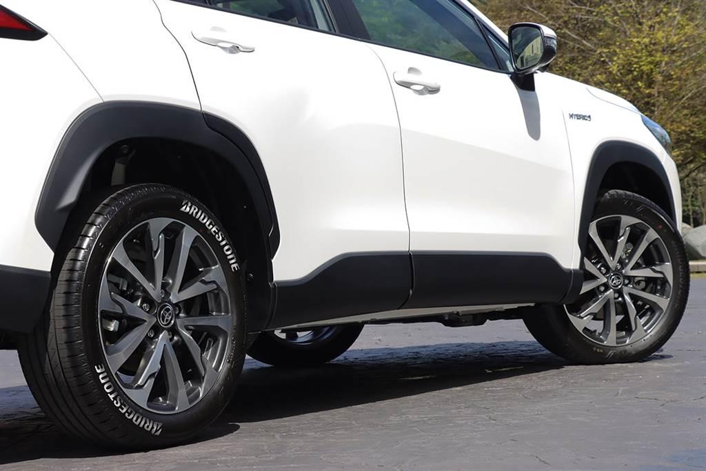 花冠與SUV結合的「超實力」鉅作,2021 Toyota Corolla Cross 1.8 Hybrid旗艦