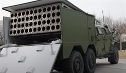 影》陸自殺無人機蜂群傾巢出 驗證實用化地空投放系統
