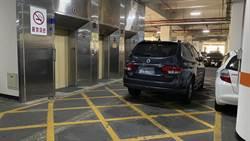獨》扯!中市府地下停車場來者不拒 計數器「0」仍持續超收