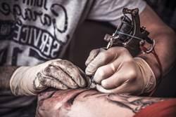 奧客厚臉求免費作品「簡單畫就好」 刺青師神回1圖完美詮釋