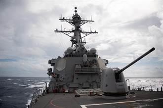 美選十月驚奇兵推之五:張百達》提供美艦人道救援