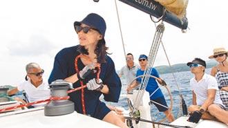 鍾瑶考取帆船執照當生日禮