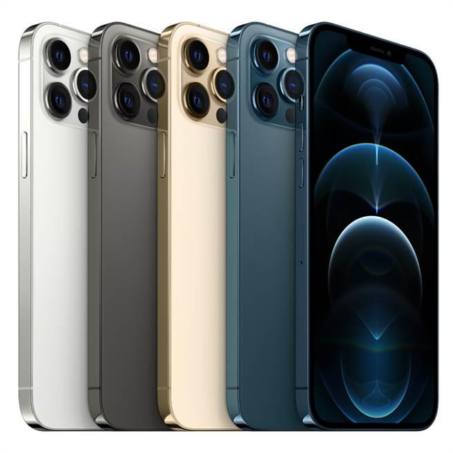 iPhone 12以及iPhone 12 Pro蘋果官網將在16日開放預購。(蘋果提供/黃慧雯台北傳真)