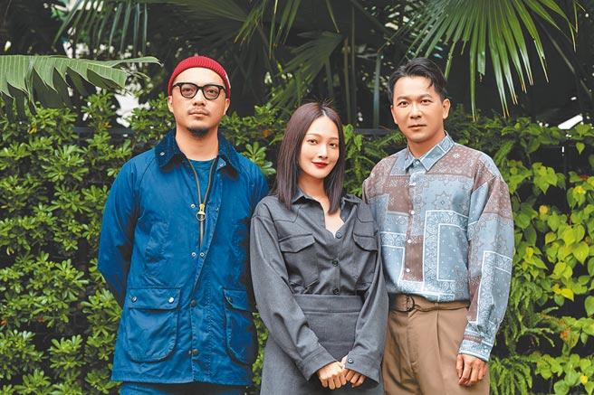導演簡學彬(左起)、主演之一的林映唯和原著作家肆一出席電影感謝餐宴。(華映娛樂提供)