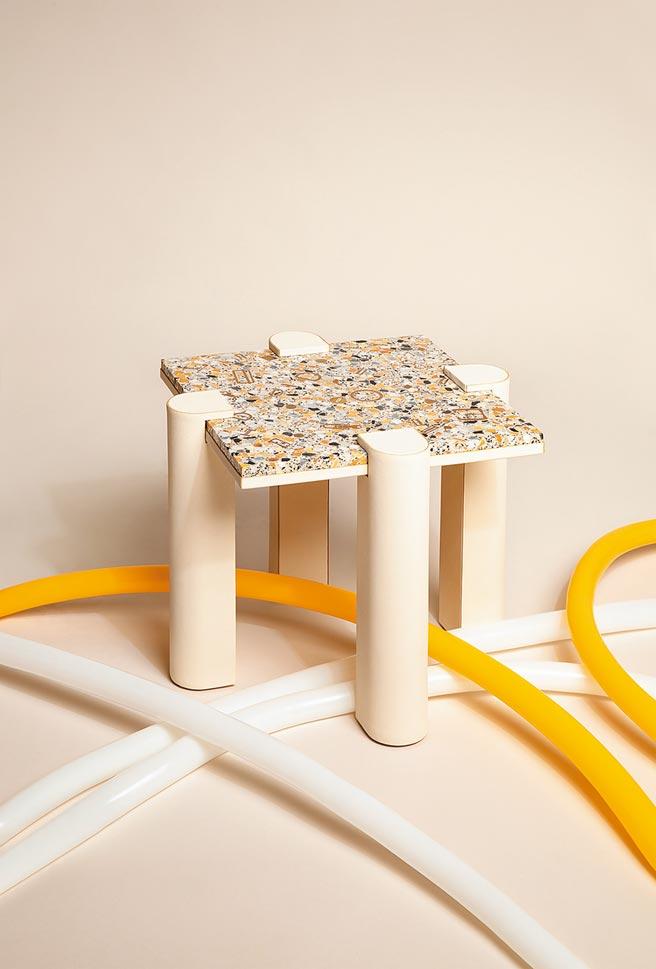 水磨石矮桌結合水晶、玻璃等特殊材質,相當美麗,126萬3100元起(依商品材質而定)。(HERMES提供)