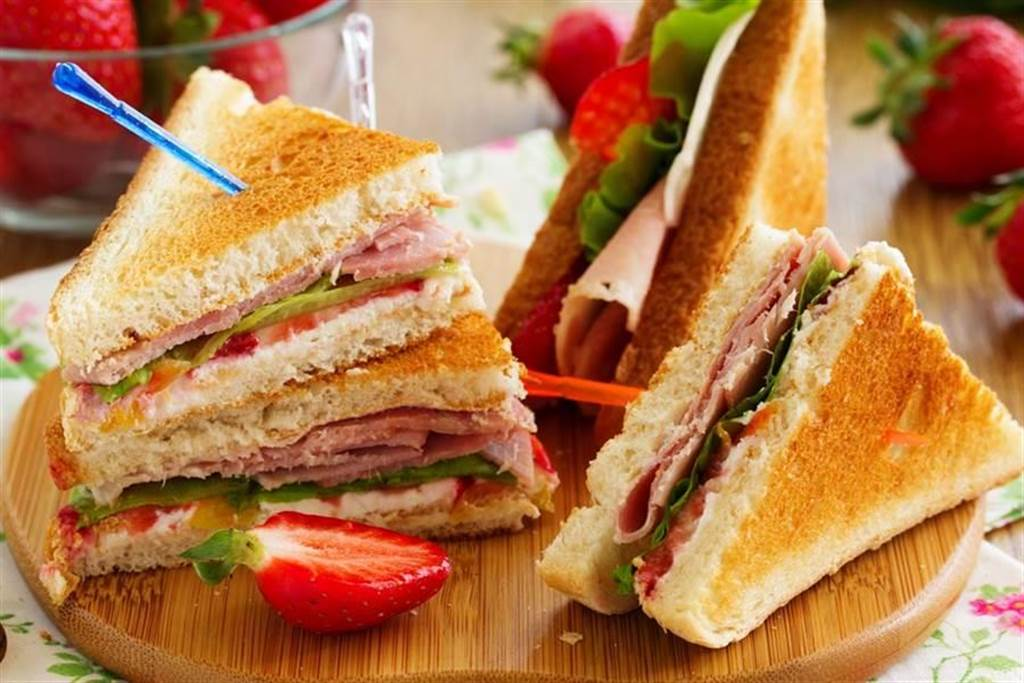 網友分享早餐店菜單上沒有的「隱藏美食」,直呼是世界第一好吃,意外引起廣大迴響。(示意圖/shutterstock達志影像)