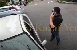 直行遭酒駕男撞噴 重機騎士踹爛擋風玻璃嗆「砸你車應該」