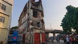 鐵道局拆黃家樓梯 聲援者衝入屋內爆衝突