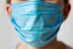 研究:戴口罩搭機染新冠肺炎機率極低