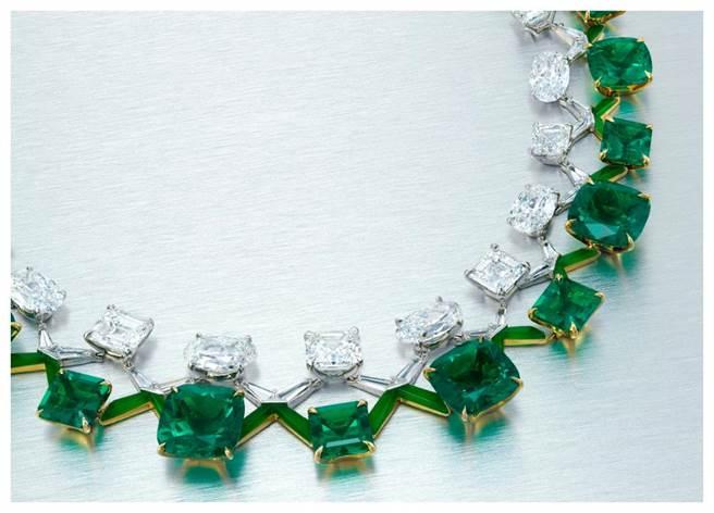 珠宝设计师陈智安(Edmond Chin)为House ofBoghossian设计的祖母绿项炼,估价5500万港币。(品牌提供)