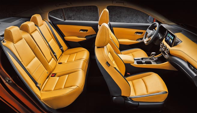 2,712mm長軸距營造出ALL NEW SENTRA大器座艙。後座腿部空間寬敞無比,NISSAN 3D Relax紓壓皮椅更備受好評。圖/業主提供