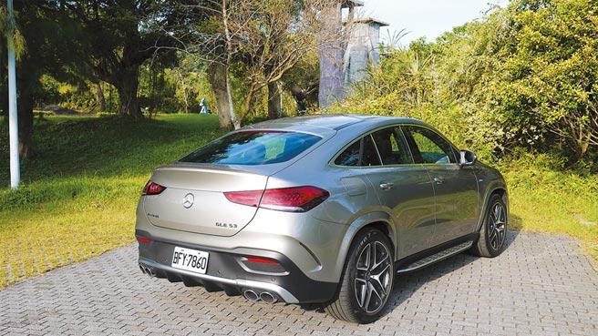 全新GLE Coupe車格變大,鈑件線條更渾然一體,根本就是輛變高的超跑。圖/于模珉