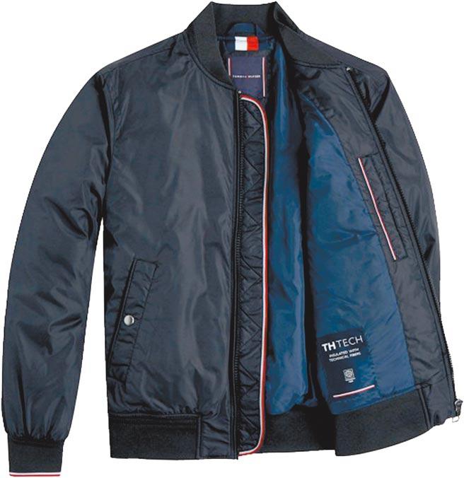 比漾廣場Tommy Hilfiger男士飛行夾克,原價9380元、特價5268元。(比漾廣場提供)
