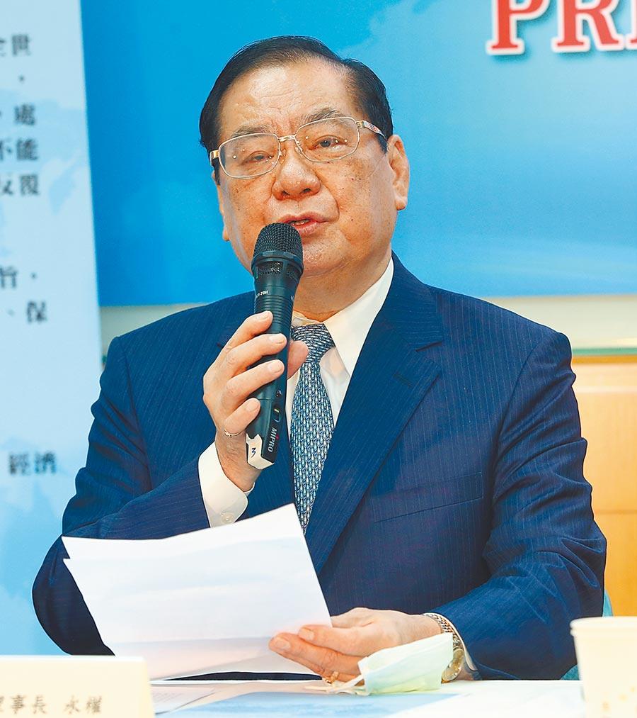 10月15日,世盟理事長曾永權在記者會上報告,提出5點視訊論壇的總結建議與呼籲。(本報系記者陳君瑋攝)