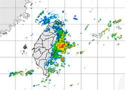 「東北風不輸颱風」 暴雨灌宜蘭!一天破400毫米