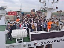 向海致敬 海巡與金大合辦海上體驗營