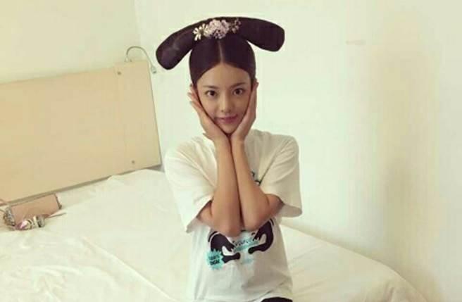 王梓芠曾在《如懿傳》飾演侍女「阿寶」一角。(取自微博)