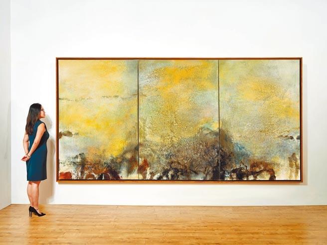 佳士得香港秋拍当代艺术的领拍之作,再度以赵无极巨幅《15.01.82》三联作夺揆,估价高达7000万至1.2亿港币。(Christie's提供)
