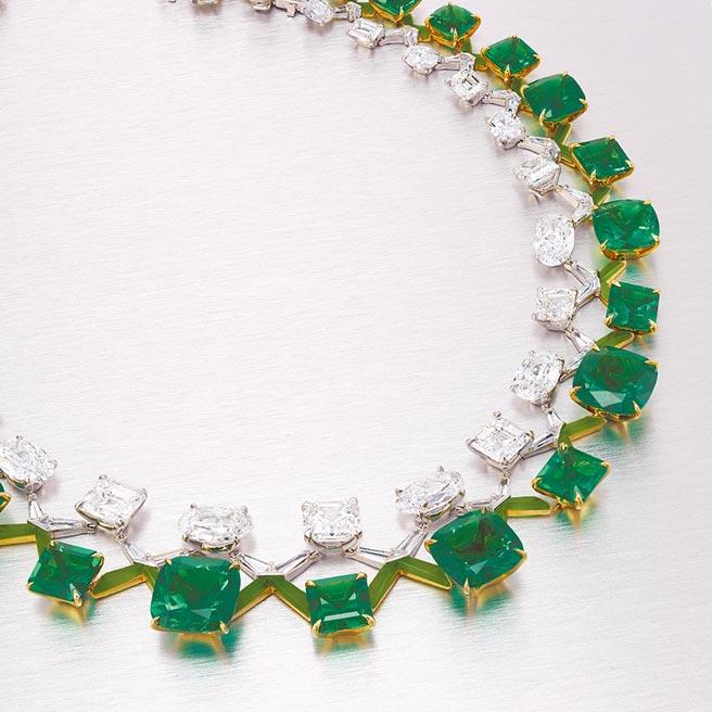 珠宝设计师陈智安(Edmond Chin)为House of Boghossian设计的祖母绿项炼,估价5500万港币。(Christie's提供)