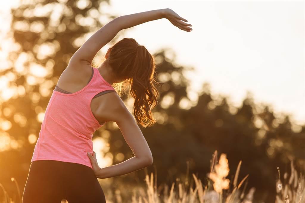 運動對健康帶來的好處,選對時段可能對罹患癌症的風險也有影響。(示意圖/Shutterstock)