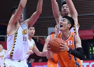 CBA》劉錚首戰遇老東家摘15分 上海仍慘敗