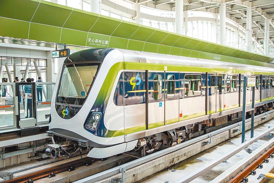 台中市為迎接捷運新世代到來,台中捷運綠線年底能否通車?交通部25日將進行履勘。(陳世宗攝)