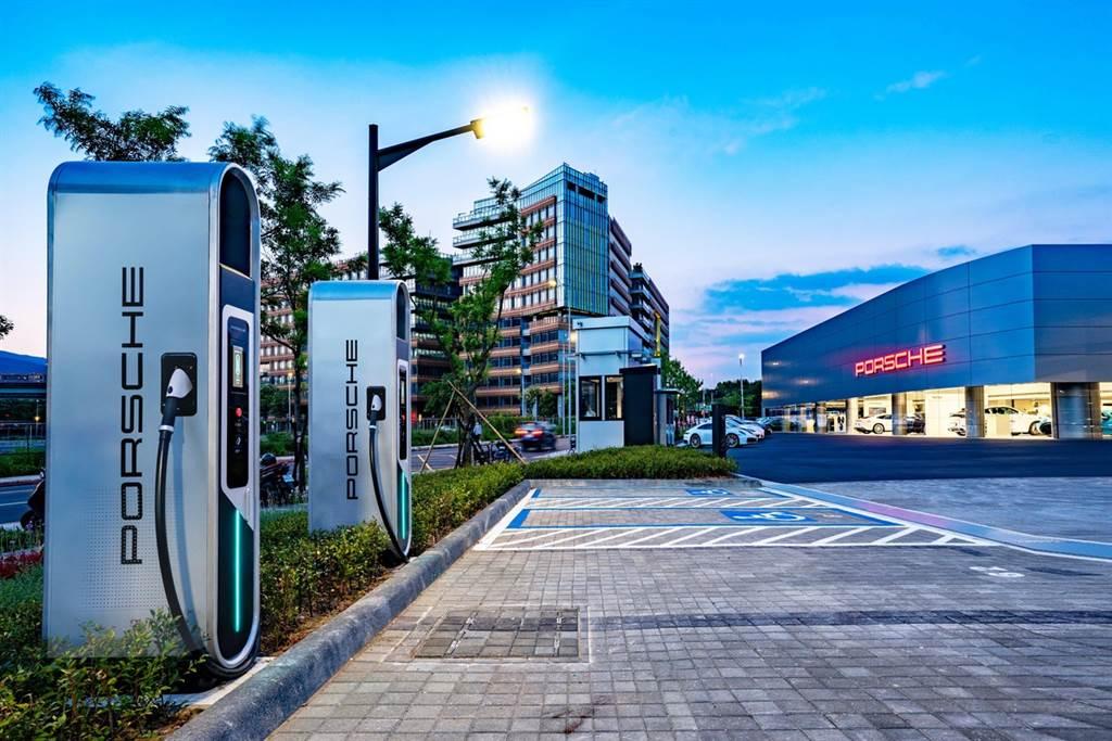 迎接Porsche Taycan,台灣保時捷充電佈局西半部高速充電網完備!圖為台北內湖展間。