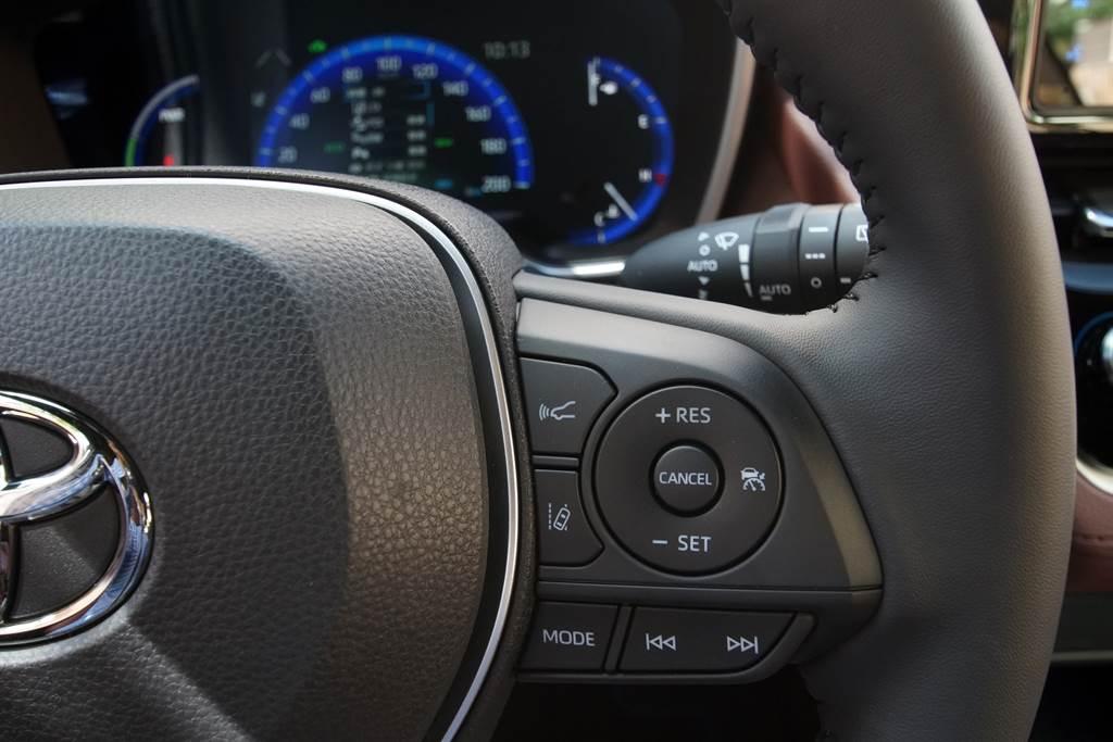 Corolla Cross將TSS 2.0(Toyota Safety Sense)主被動安全防護列為全車系標配的,展現高度誠意與競爭力!