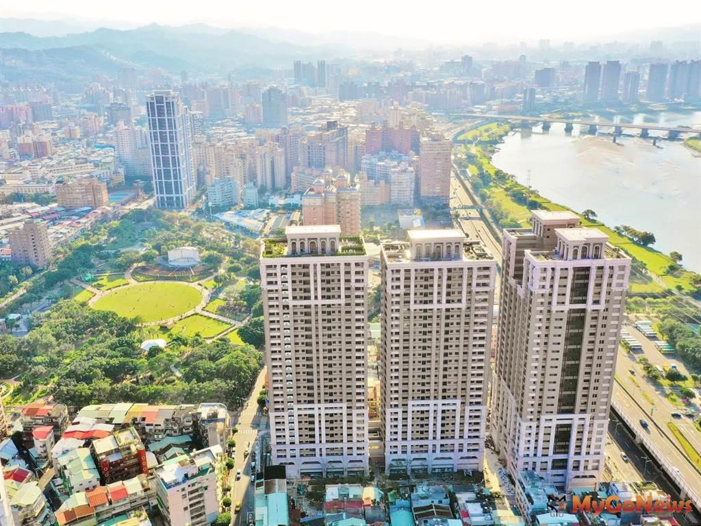 更新案興建3棟分別為28至29層樓的住宅大樓,包含地下6層停車空間、15戶店鋪、687戶住宅單元及724個停車位(圖:新北市政府)
